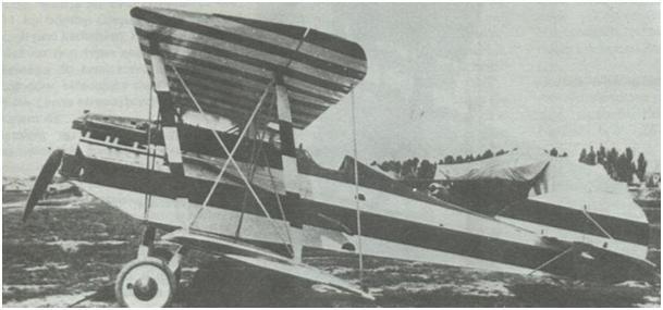 Samolot F.4 Buzzard znajdujący się w dyspozycji gen. Zagórskiego