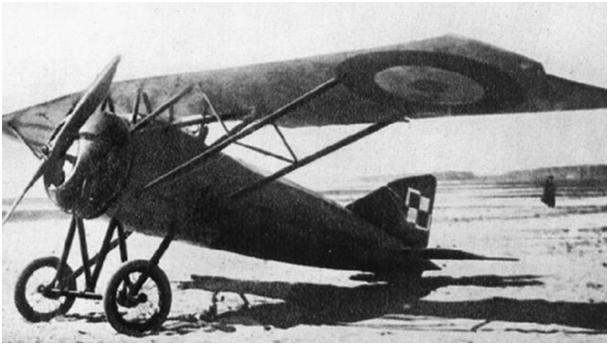 Samolot M.S-30E1 jako przykład malowania, noszący jednocześnie barwy francuskie i polskie