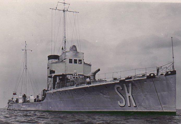 """ORP Ślązak w roku 1936. Oznaczenie boczne """"SK"""""""