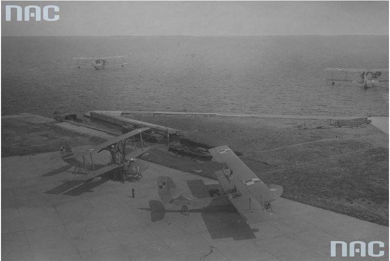 Hydroplany Schreck FBA - 17HMT2 na nadbrzeżu