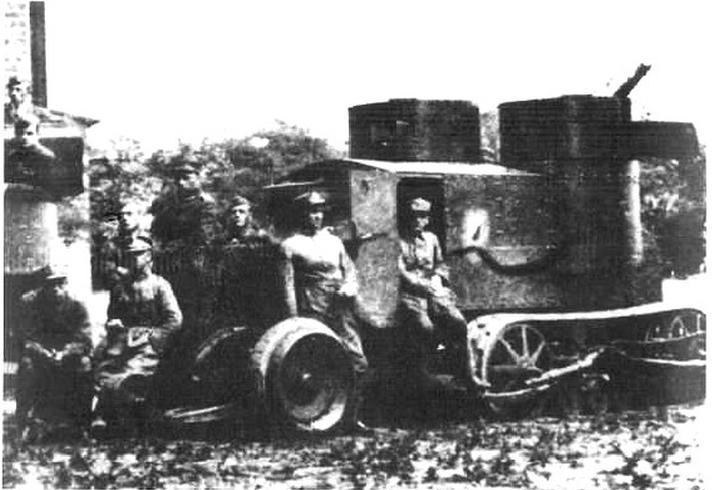 Jeden z dwóch samochodów Austin-Kegresse używanych przez Wojsko Polskie
