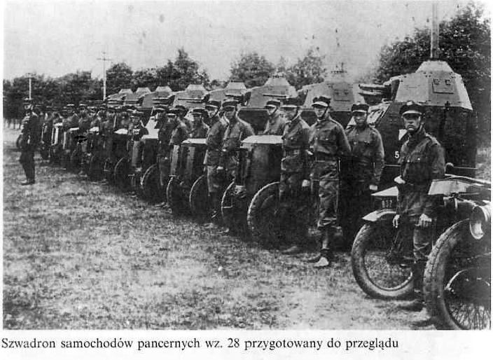 Szwadron samochodów pancernych wz.28 przygotowany do przeglądu